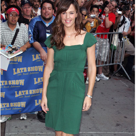 Jennifer Garner veste Ferretti al Late Show with David Letterman