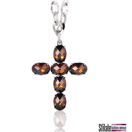 CROSS by Nomination, una rivisitazione in chiave moderna del ciondolo a forma di croce