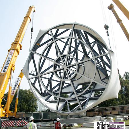 I lavori della quarta ed ultima fase del Prada Transformer a Seoul (2)
