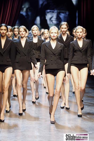 Un inno alla Sicilia nella sfilata donna di Dolce & Gabbana