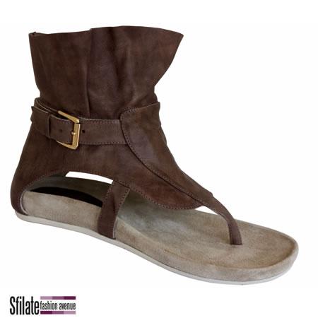 Scarpe donna:dalle ballerine alle scarpe col tacco, scopri