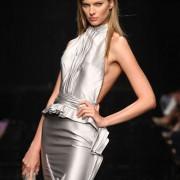 Abiti con Anima: Tony Ward porta in passerella l'Haute Couture con un pensiero solidale