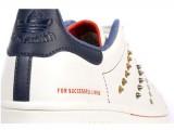 Adidas Originals e Diesel presentano una collezione di sneaker in limited edition.