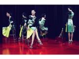 L'audizione, intesa come performance, al centro dell'adv di Miu Miu Donna Primavera/Estate 2011 - 1