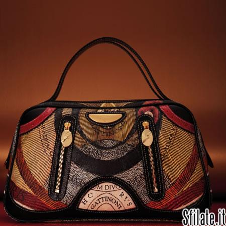 Per il prossimo autunno inverno 2011/12 le borse di Gattinoni si vestono di uno stile contemporay chic.
