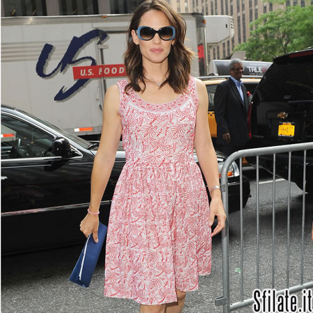 size 40 1e19c 60aeb Jennifer Garner con abito Prada Made in India - SFILATE
