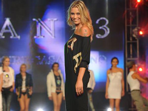 """Elenoire Casalegno sfila per Ean 13 a """"Sfilata d'Amore e Moda"""""""