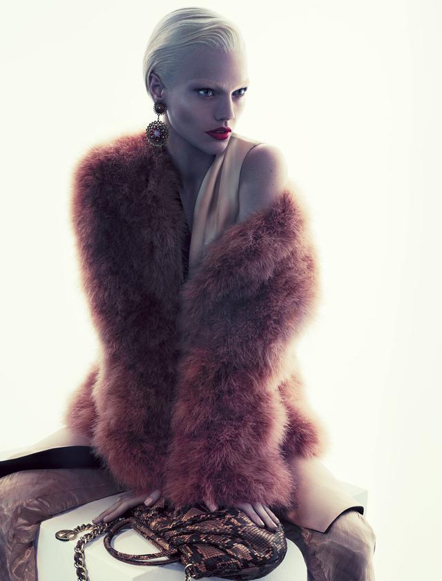 ampagna pubblicitaria autunno inverno 2011/12 di Giorgio Armani.