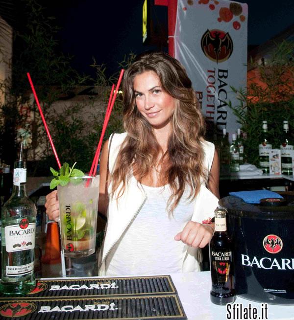 Riccione...all'Unica spiaggia con Melissa Satta
