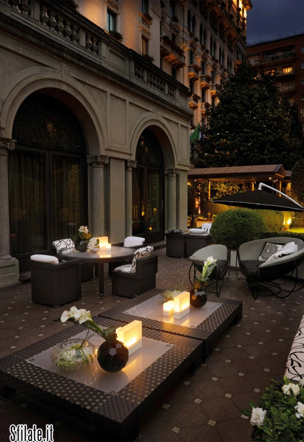 Fendi Casa ha arredato, con la sua linea Outdoor, il giardino 5 stelle lusso dell'Hotel Prinicpe di Savoia a Milano.