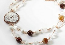 antichi medaglioni in giada di Rovian ideali per impreziosire ogni look.