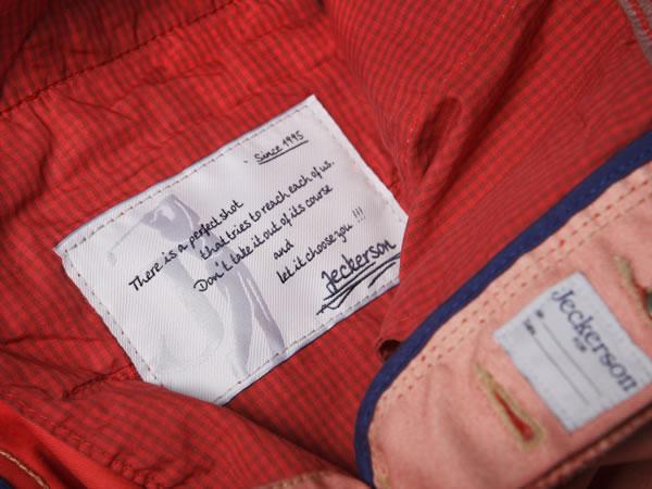 Per Jeckerson il pantalone da uomo è 'Tee Pants'