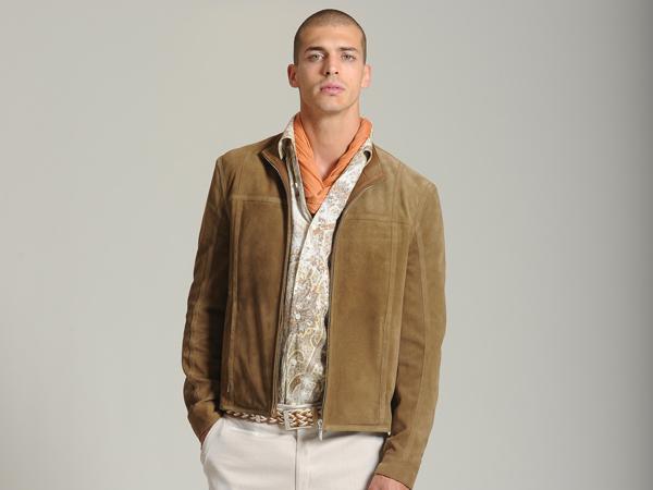 L'Uomo Brioni per la prossima primavera estate 2012 vuole essere sempre impeccabile