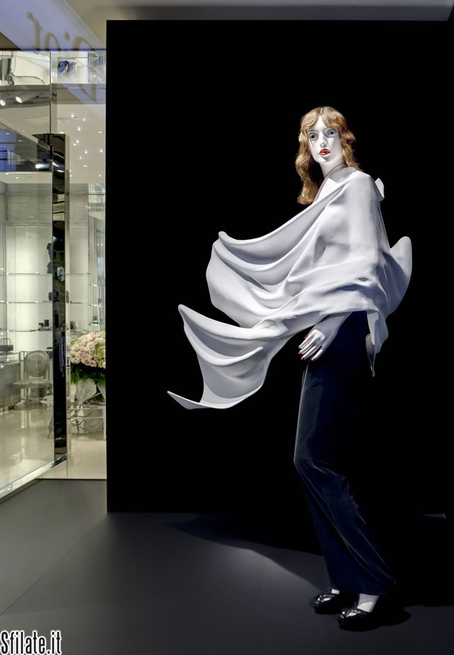In via Montenapoleone il Dior Arsham Project