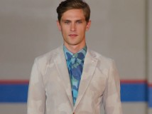 A New York va in scena lo stile Preppy Moderno di Tommy Hilfiger