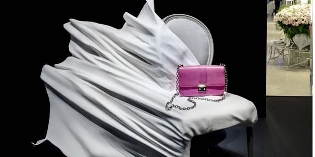 In via Montenapoleone il Dior Arsham Project