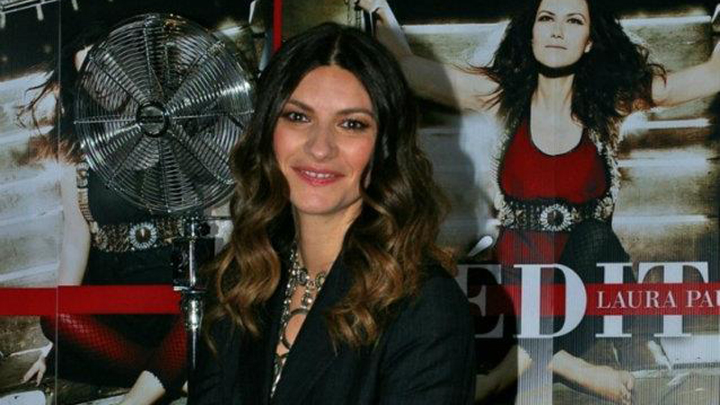 Laura Pausini va in Messico con John Richmond