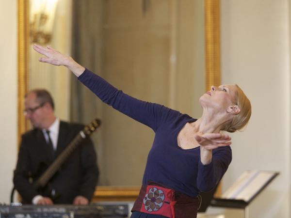 Danza: al San Carlo debutta Carolyn Carlson