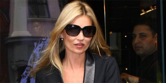 Kate Moss ha svelato a Parigi la sua prima collezione di gioielli.