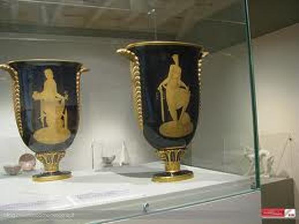 Il Gio Ponti ceramista degli anni '20 in mostra a Villa Torlonia