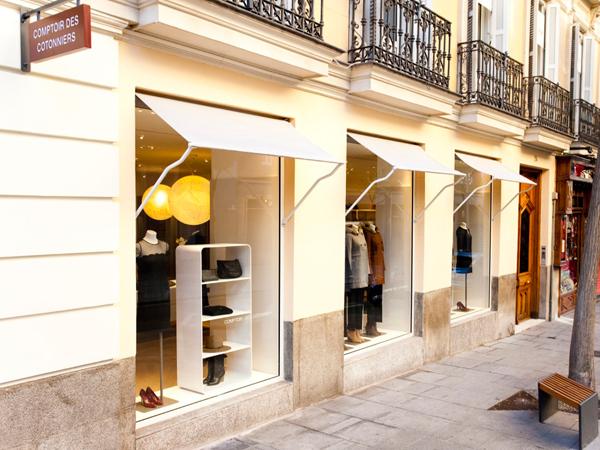 Doppia superficie per Comptoir des Cotonniers in Spagna