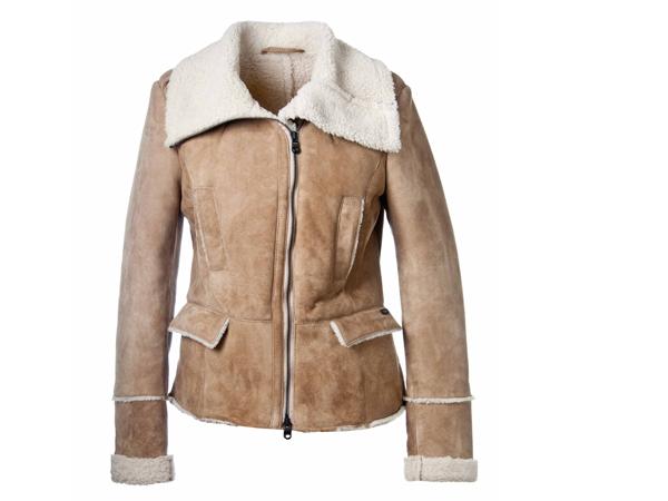 Refrigiwear porta nel guardaroba maschile e femminile un capo che da sempre è sinonimo di Inverno: il montone.