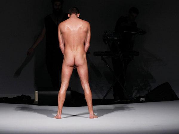 La sfilata di Frankie Morello mette a nudo le emozioni