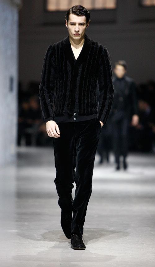 Sulle passerelle di Milano Moda Uomo sfila lo stile di Corneliani.