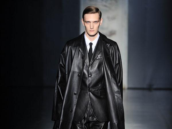 buy popular b58ac deeca Sfilate: Jil Sander sulle passerelle di Milano Moda Uomo ...