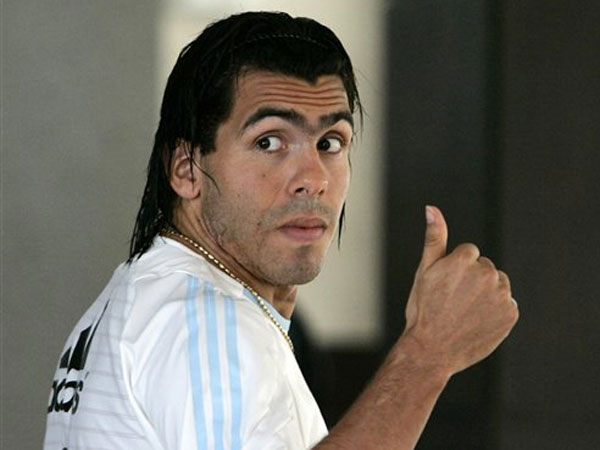 Tevez, il bad boy che sta facendo litigare Milan e Inter