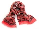 Le sciarpe PYAAR riscoprono i tessuti ultra leggeri