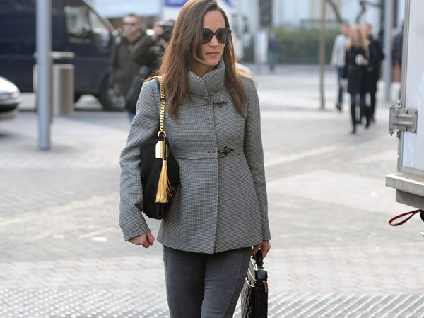 "Pippa Middleton è stata fotografata con la Gucci ""1970"" bag, la nuova IT-bag Gucci per la Primavera-Estate 2012"