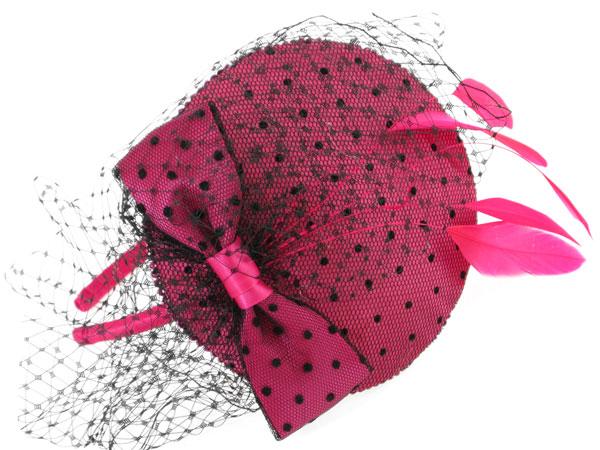 """Camomilla Milano propone i """"cappellini"""" in perfetto stile inglese, very bitish!"""