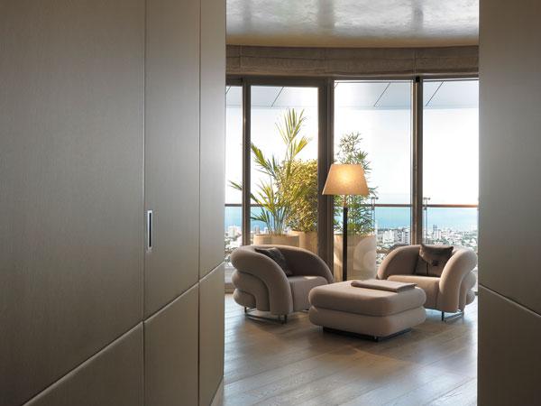 L interior design studio armani casa conquista l 39 india for Armani arredo casa