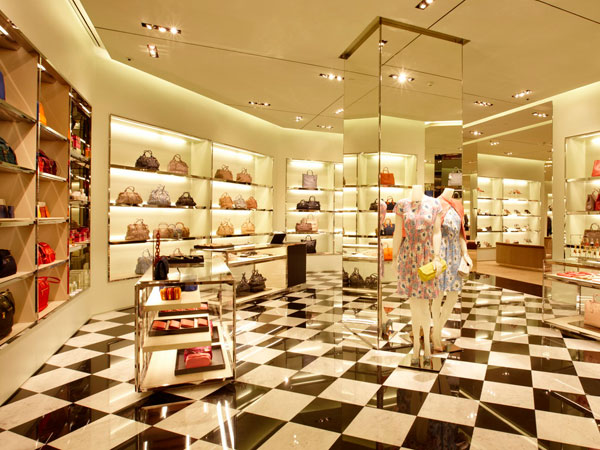 Prada apre un nuovo negozio a Bangkok