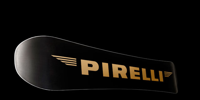 Pirelli Pzero Snowboard: Black and Gold, glamour and technology.