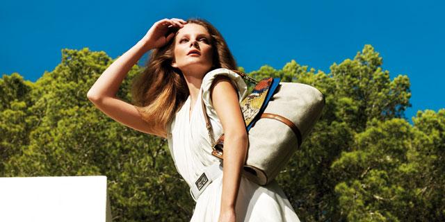 Interprete degli scatti di Gherardini, la top model ungherese Eniko Mihalik,