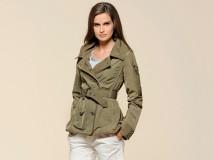 Moda Donna: Il Lady Trench di Ferrari Store è un modello urban style dal taglio molto femminile.