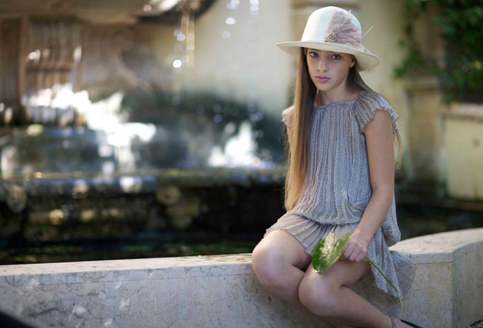 459a896e6d Vestiti romantici e da favola per la bambina Byblos - SFILATE