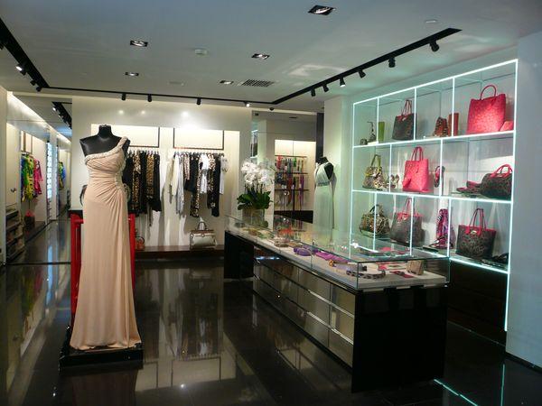 a Beijing la prima Boutique (300 mq) di Roberto Cavalli