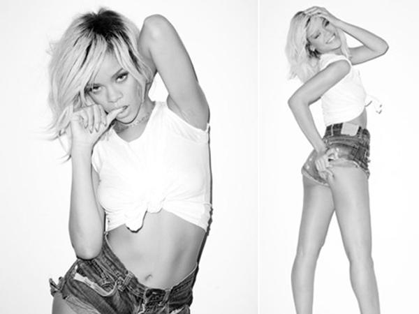 Rihanna sexy con maglietta bianca e hot pants
