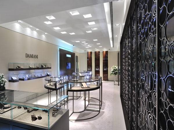 Damiani entra nel mercato indiano del retail con l'apertura della sua prima boutique a New Delhi all' Hotel Oberoi.