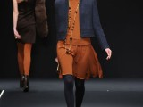 Krizia, collezione Moda Donna Autunno/Inverno 2012/13, giacchino inpanno di lana con motivo ad impunture
