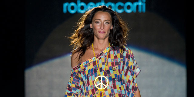 Elisa Di Francisca testimonial per Playa, sfilata donna Milano PE 2013