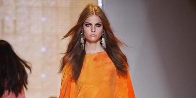 Versace sfilate moda donna, Milano, collezione Primavera/Estate 2013
