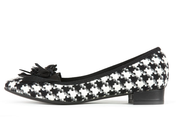 POPS: black&white shoes