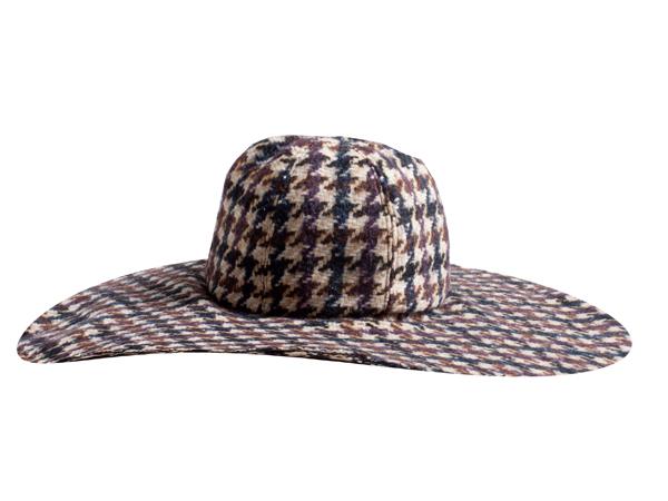 Il cappello  trendy ma bon ton per Alysi - SFILATE 910b235f835a