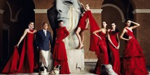 Valentino Garavani: Valentino Master of Couture.