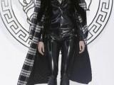 Versace FW13-14 Milan 02