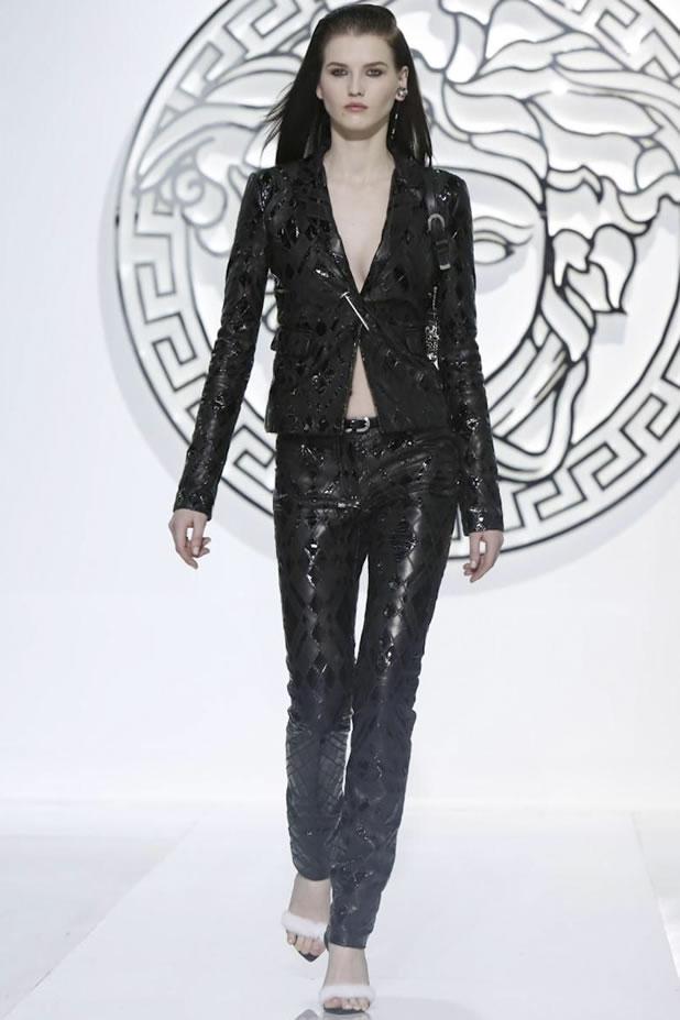 Versace FW13-14 Milan 03